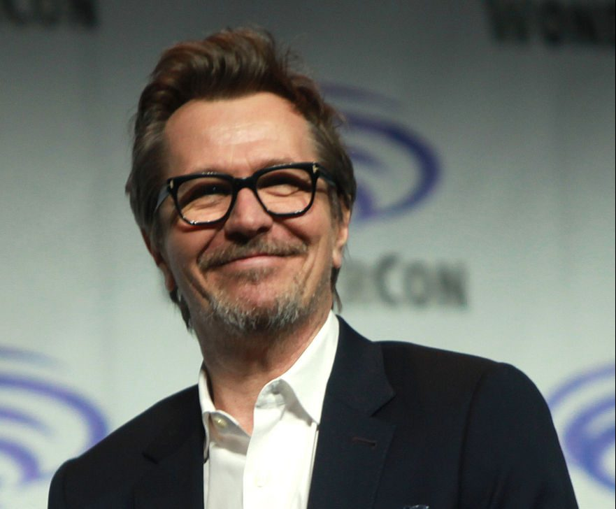 Gary Oldman by Gage Skidmore e1616772752582 25 Times Celebrities Admitted To Awful Things In Interviews