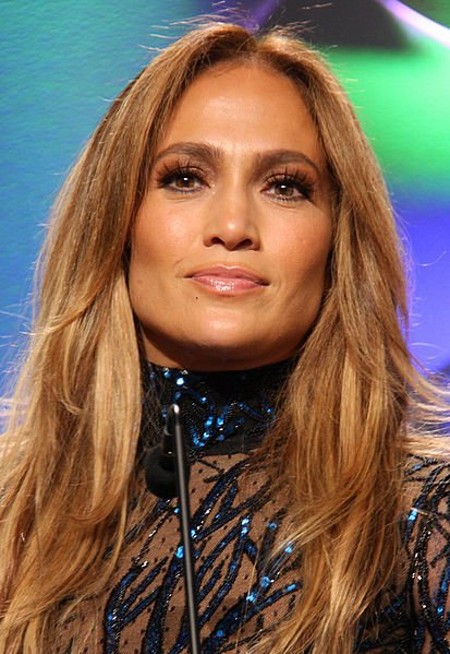 Jennifer Lopez at GLAAD Media Awards cropped Celebs Who Have Been Awful To Their Assistants