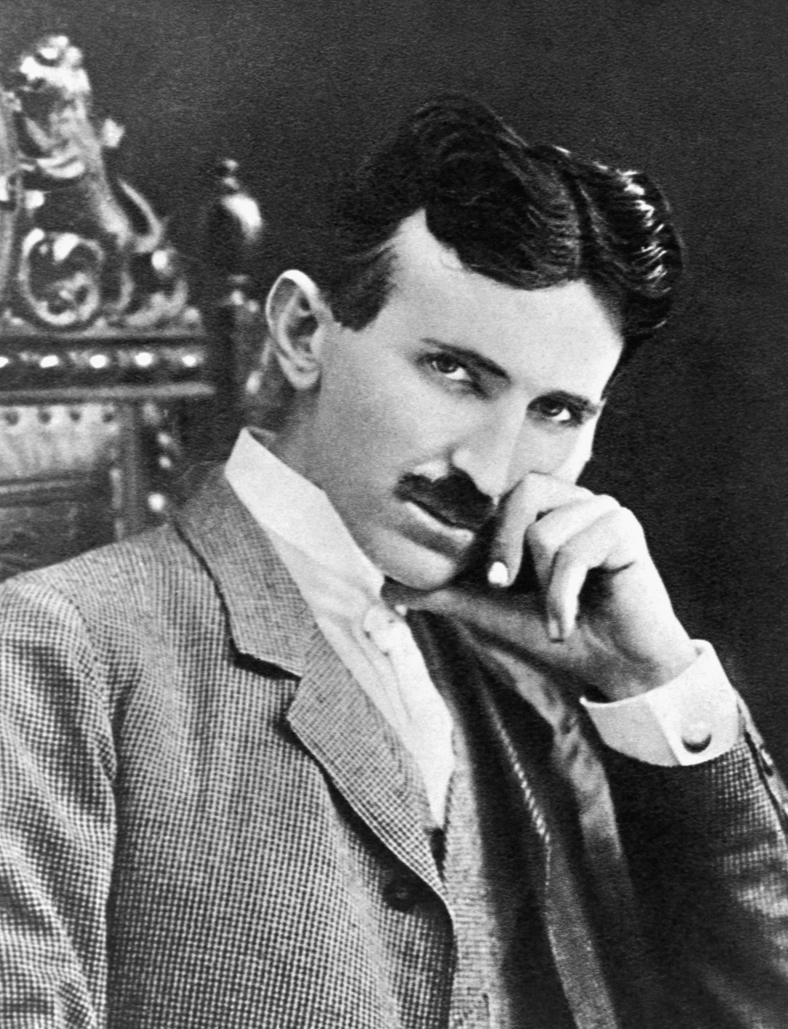 N.Tesla 25 Celebrities Who Died Poor