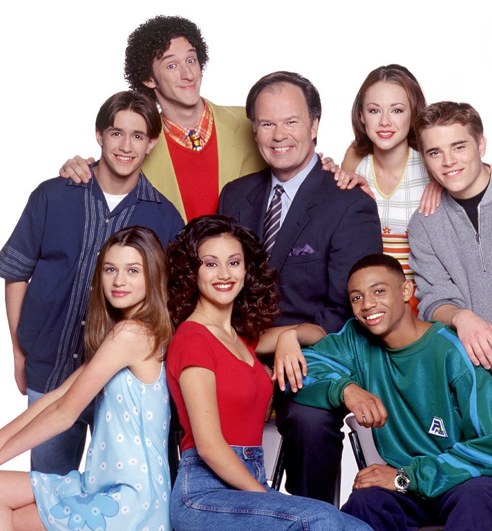Dustin Diamond as Screech in a group press photo for Saved by the Bell: The New Class
