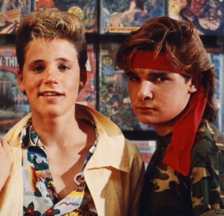 ZZ26643EC3 e1598273717627 20 Full-Blooded Facts About The Lost Boys