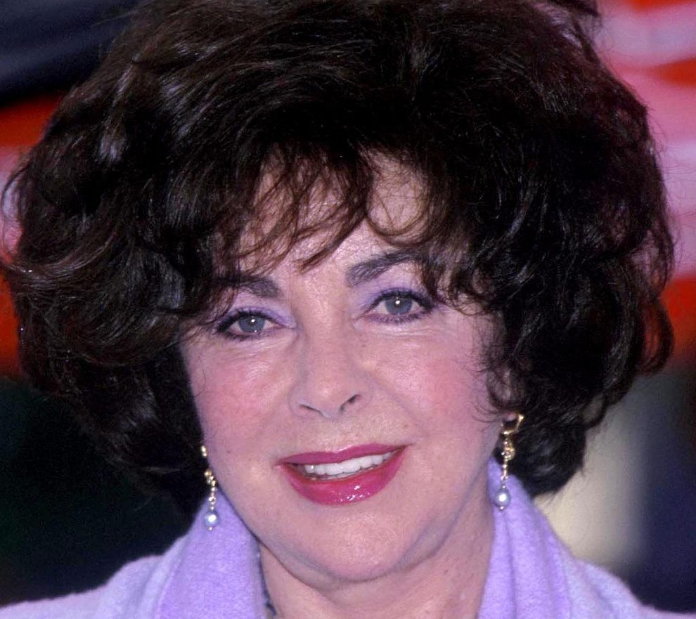 elizabeth taylor e1615994428131 30 Things You Didn't Know About The Simpsons