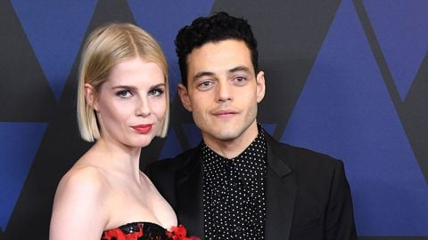 rami malek lucy boynton 1546675343 This Is The Complete Side By Side Comparison Of Freddie Mercury And Rami Malek At Live Aid