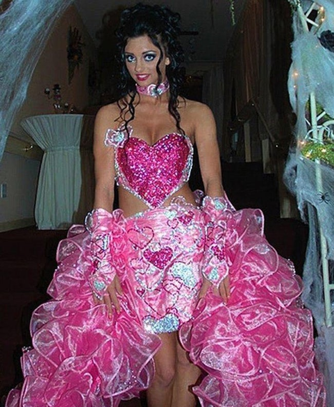 wedding dress 13 20 Of The Most Horrific Wedding Dresses In Existence
