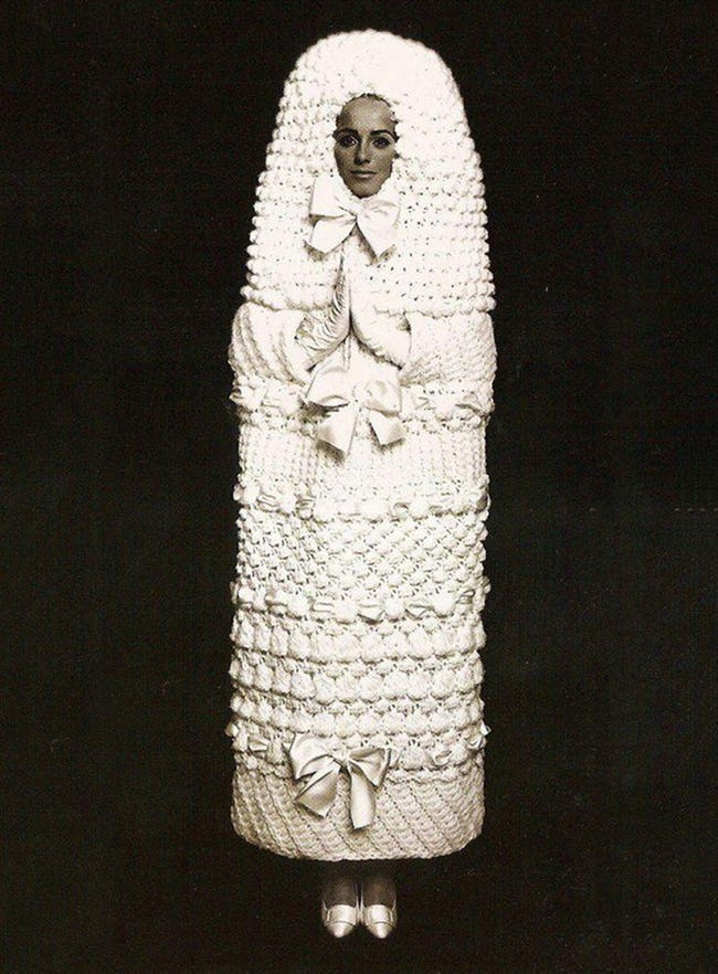 wedding dress 9 20 Of The Most Horrific Wedding Dresses In Existence