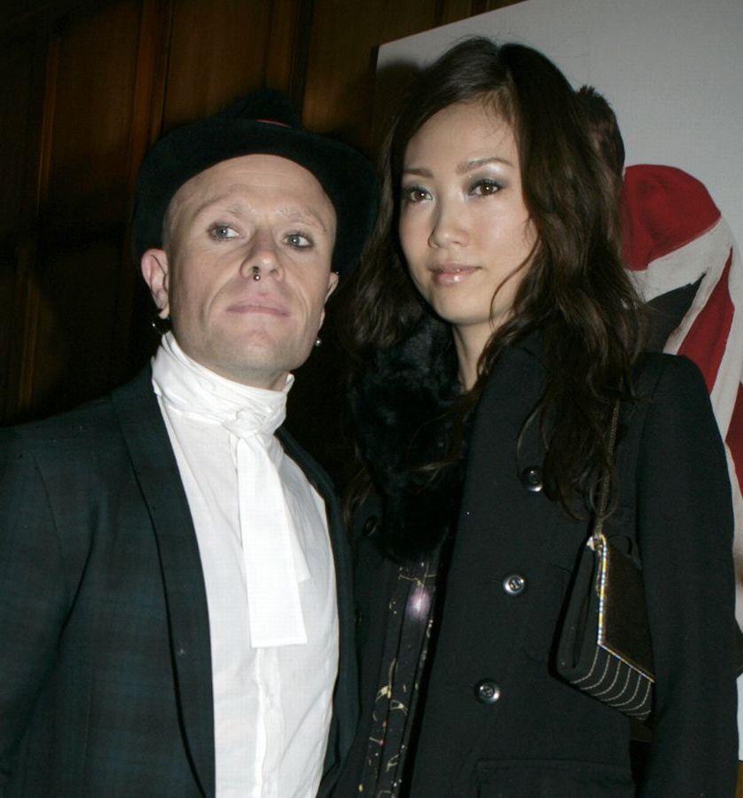 0 PAY Keith Flint and Mayumi Kai Keith Flint Hanged Himself In His Home, Coroner Confirms