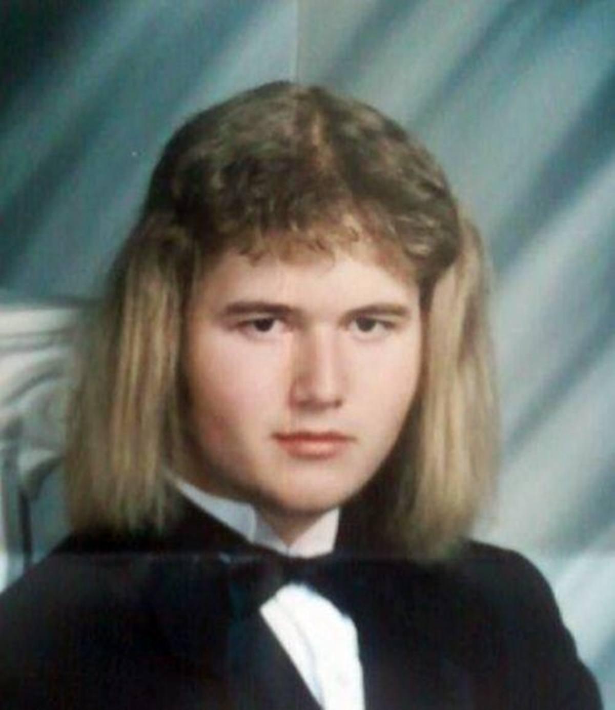 14 15 Hilariously Awkward Yearbook Photos