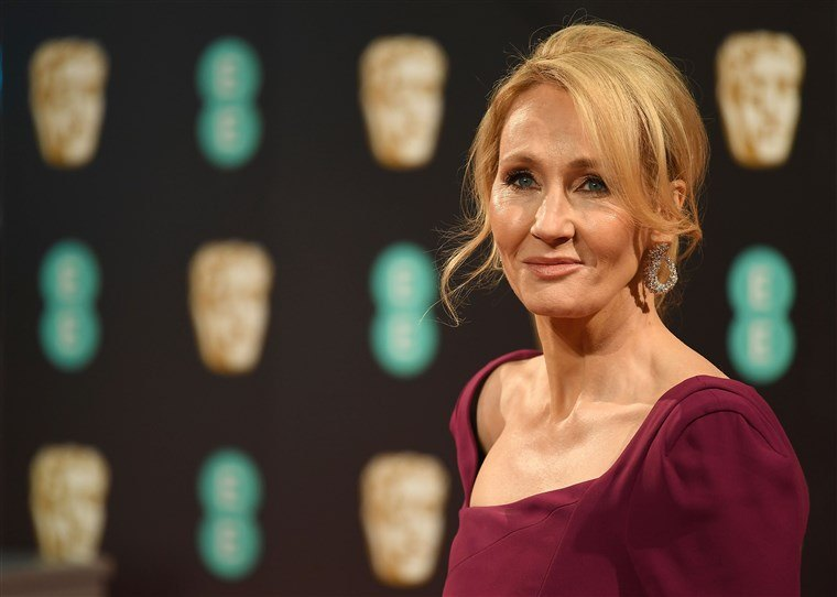 190322 j k rowling 2017 ac 824p 99a3ff67351b85fd69961f5a96200a03.fit 760w 10 Things You Didn't Know About J.K. Rowling