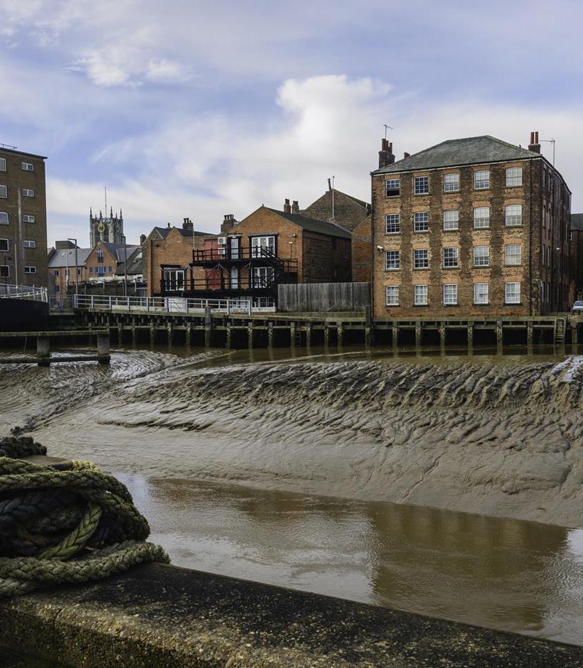 Hull, river