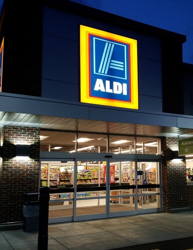 Aldi Savoy Family Shopping 1 Aldi Has Brought Back Its Bargain Inflatable Hot Tub