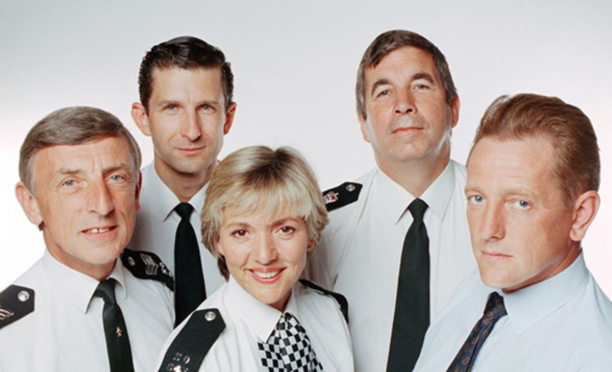 INTRO1 Here's What The Stars Of 'The Bill' Look Like Now!