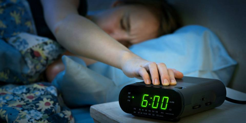 Main Alarm radio Schools Are Removing Analogue Clocks Because Millennials Can't Read Them