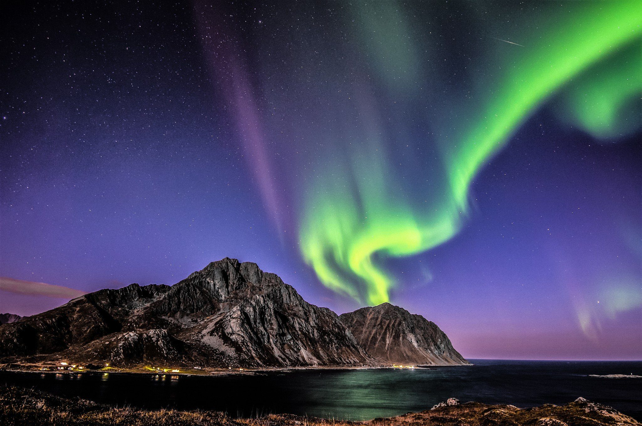 Nappstinden Norway Northern Lights The Northern Lights Could Be Visible Across The UK This Weekend