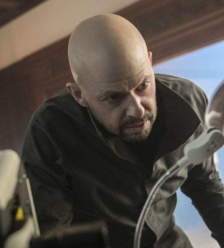 supergirl lex luthor jon cryer 1552658779 Two And A Half Men's Jon Cryer Is Bald Now, Has A Beard