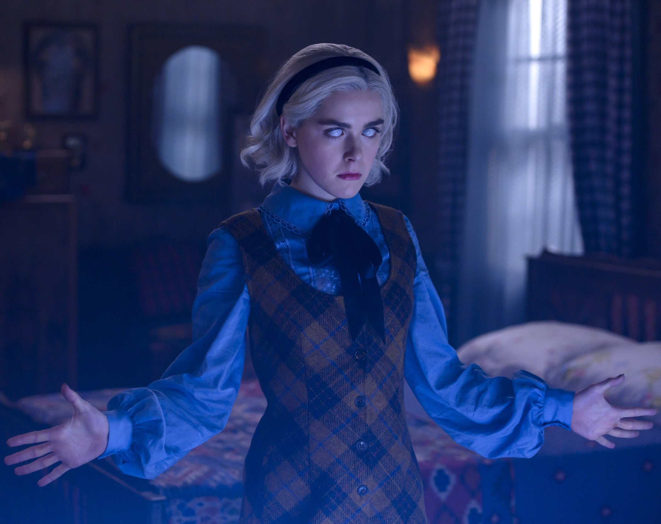 190405 chilling adventures of sabrina 1 ew 656p 992e35161f497d7b4a5ead2476de0d95 20 Things You Missed In The Chilling Adventures Of Sabrina