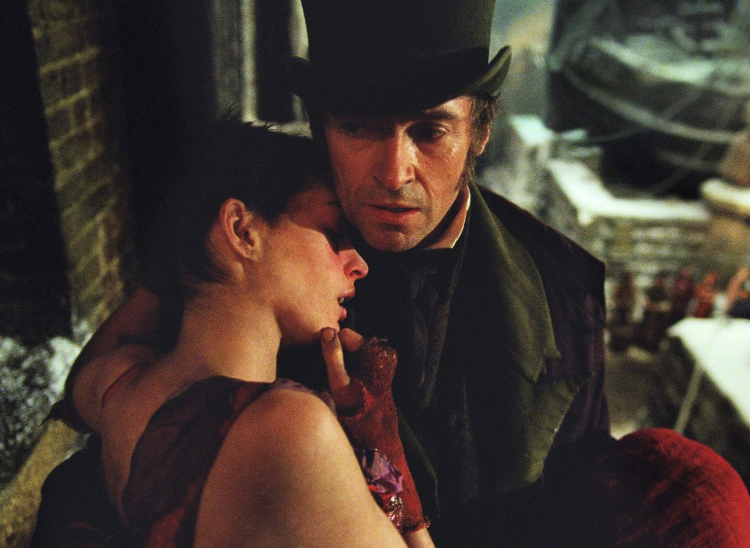 Anne Hathaway Hugh Jackman Les Misérables e1625743692780 25 Things You Didn't Know About Les Misérables (2012)