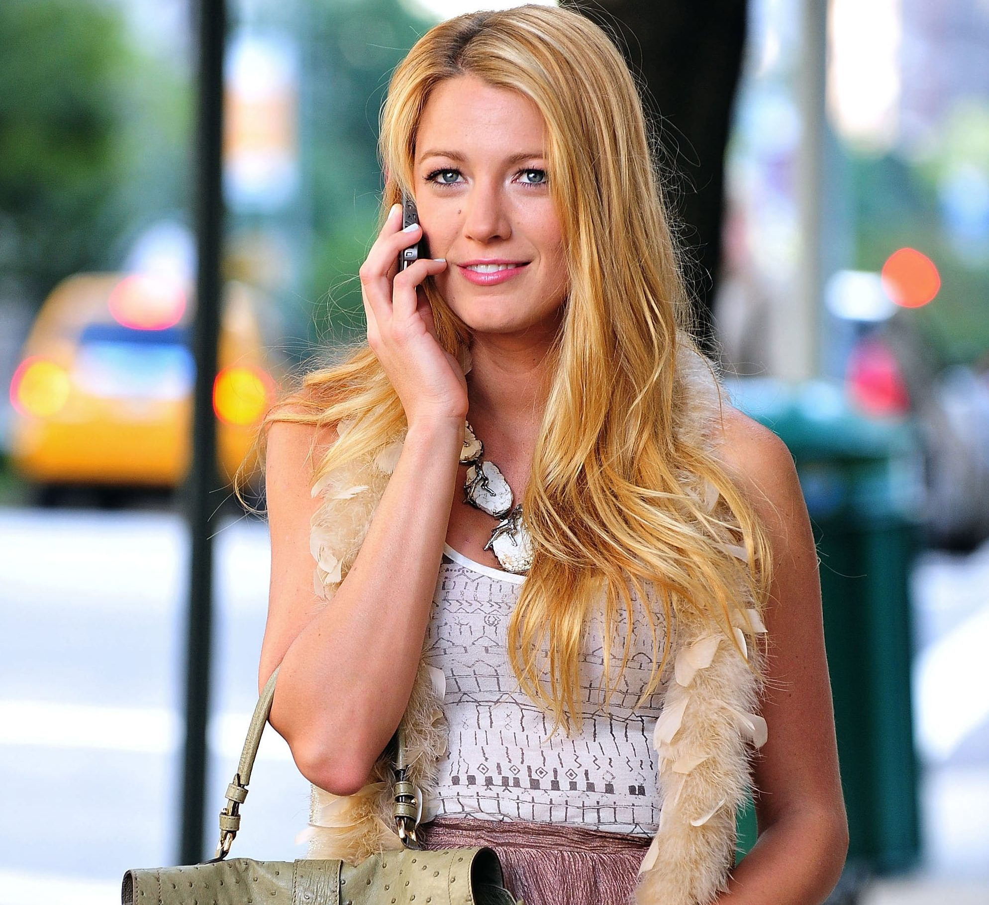 Blake Lively Best Gossip Girl Style e1625493390812 25 Things You Never Knew About Mrs. Doubtfire