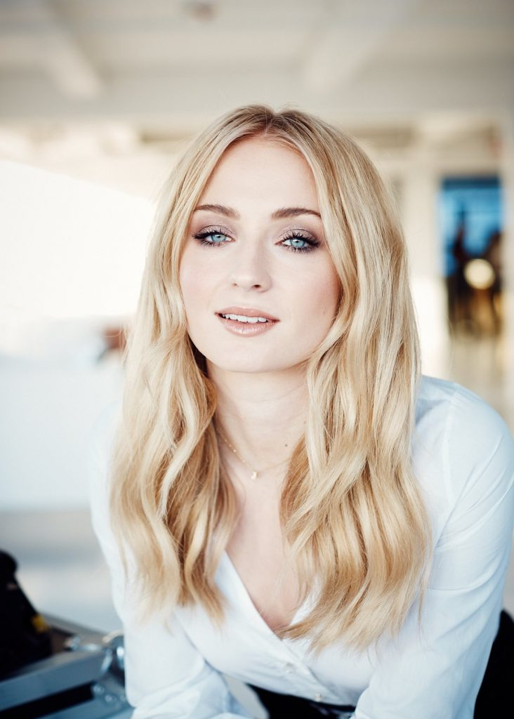 Coveteur Sophie Turner 111 20 Things You Didn't Know About Sophie Turner