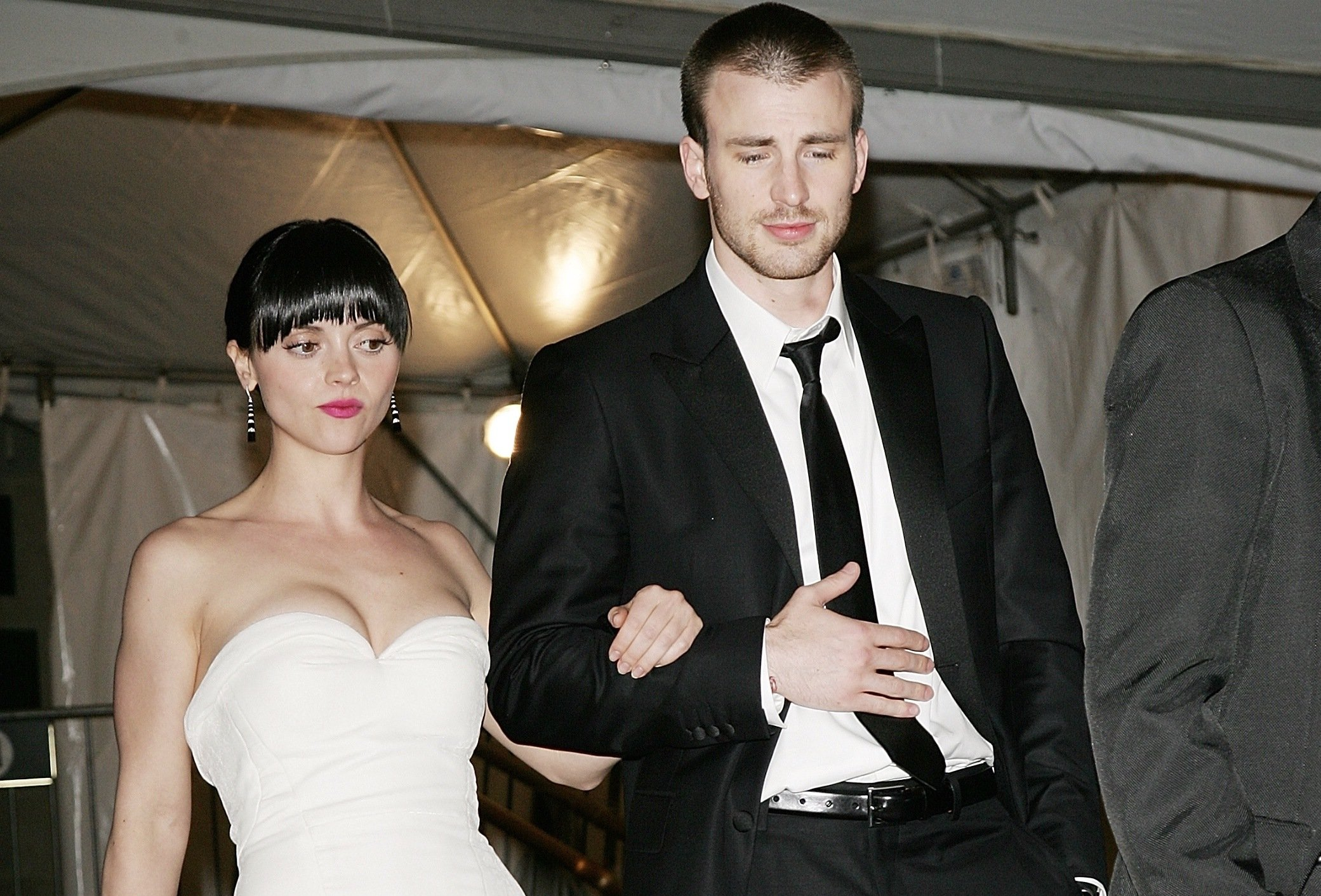 Christina Ricci with Chris Evans in 2007
