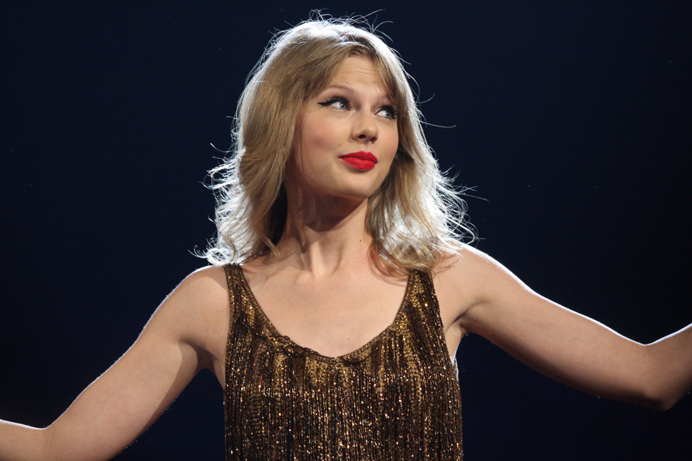 Taylor Swift 6966830273 25 Things You Didn't Know About Les Misérables (2012)