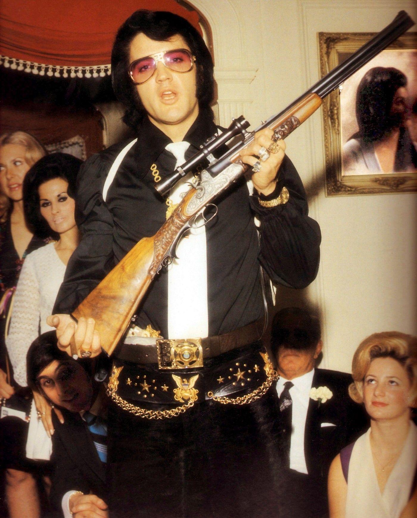 bcf395104a26652da723876ac7b4ffb1 10 Things You Didn't Know About Elvis Presley