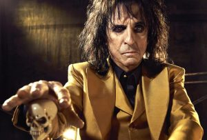 cooper 11 e1554979765672 10 Things You Never Knew About Alice Cooper