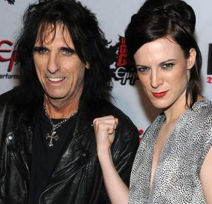 cooper 14 e1554979974906 10 Things You Never Knew About Alice Cooper