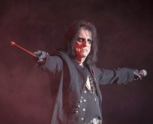 cooper 18 e1554980243283 10 Things You Never Knew About Alice Cooper