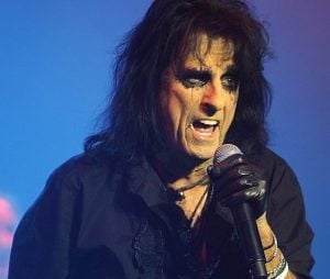cooper 5 e1554979294133 10 Things You Never Knew About Alice Cooper