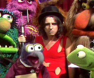 cooper 7 e1554979524962 10 Things You Never Knew About Alice Cooper