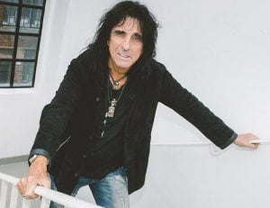 cooper 8 e1554979605608 10 Things You Never Knew About Alice Cooper