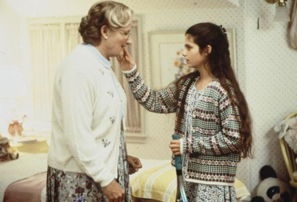 lisa1 0 25 Things You Never Knew About Mrs. Doubtfire