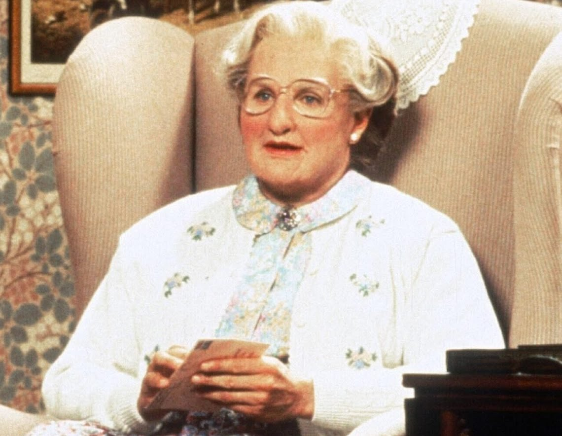 mrs doubtfire home set on fire e1625472384539 25 Things You Never Knew About Mrs. Doubtfire