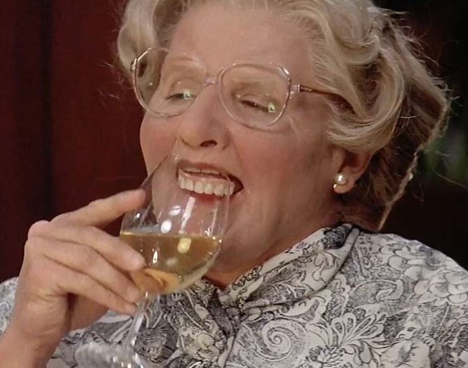 robin williams dentures mrs doubtfire e1625495062198 25 Things You Never Knew About Mrs. Doubtfire