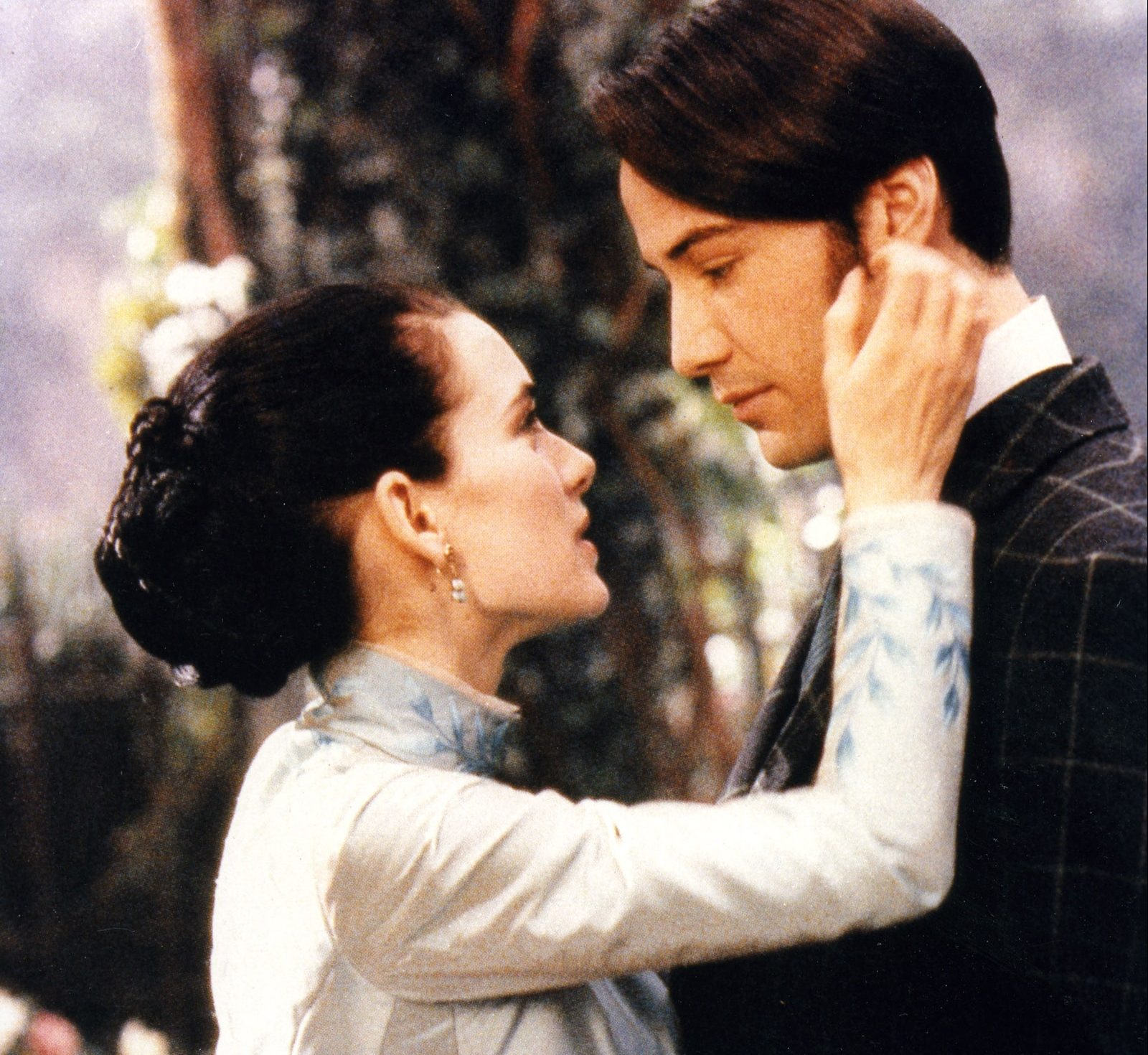 00 story image winona ryder keanu reeves married dracula e1622106970971 20 Things You Never Knew About Keanu Reeves