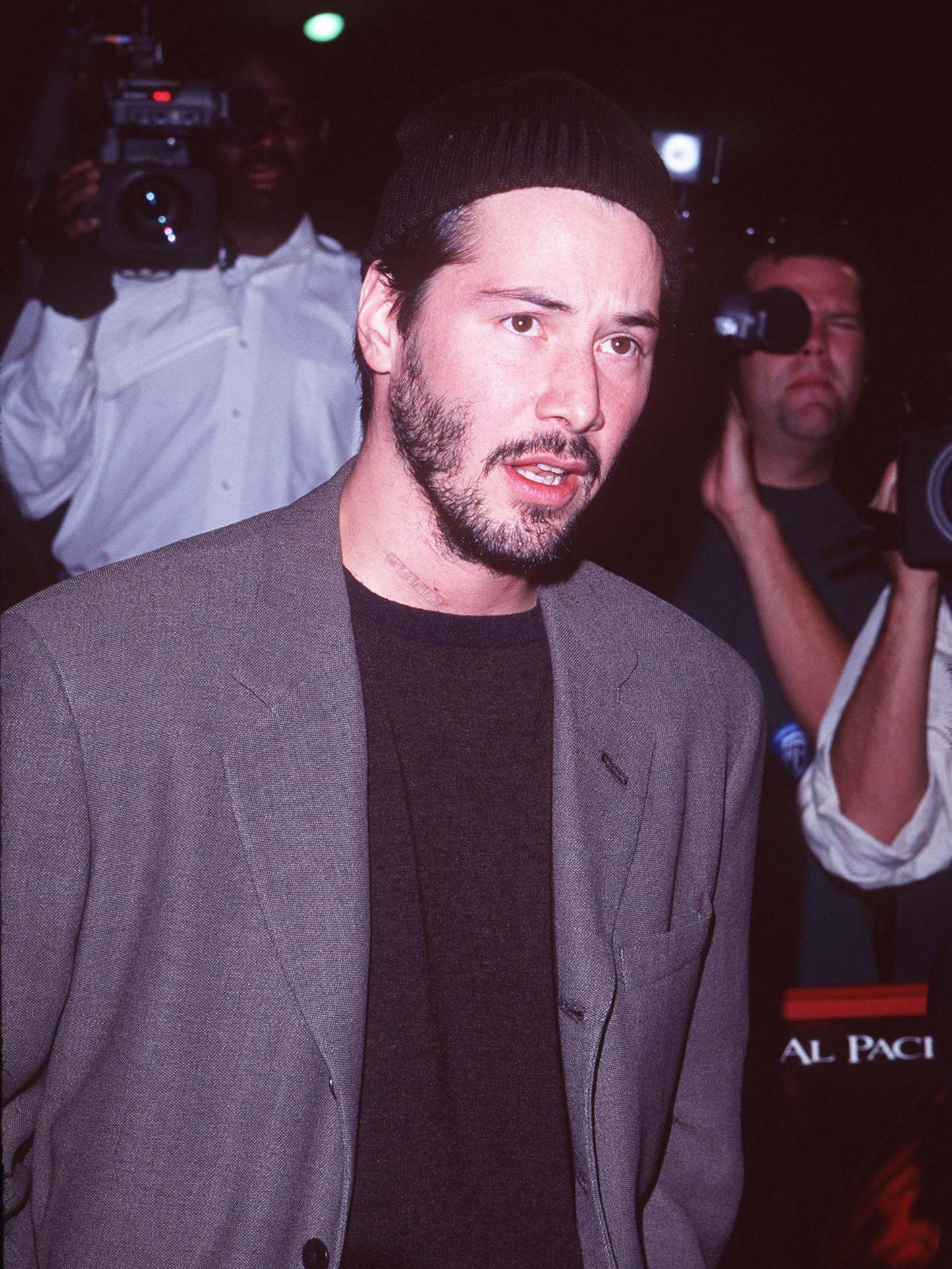 1997 10 03 The Devils Advocate Los Angeles Premiere 003 e1558696916166 25 Keanu Facts Only True Fans Know