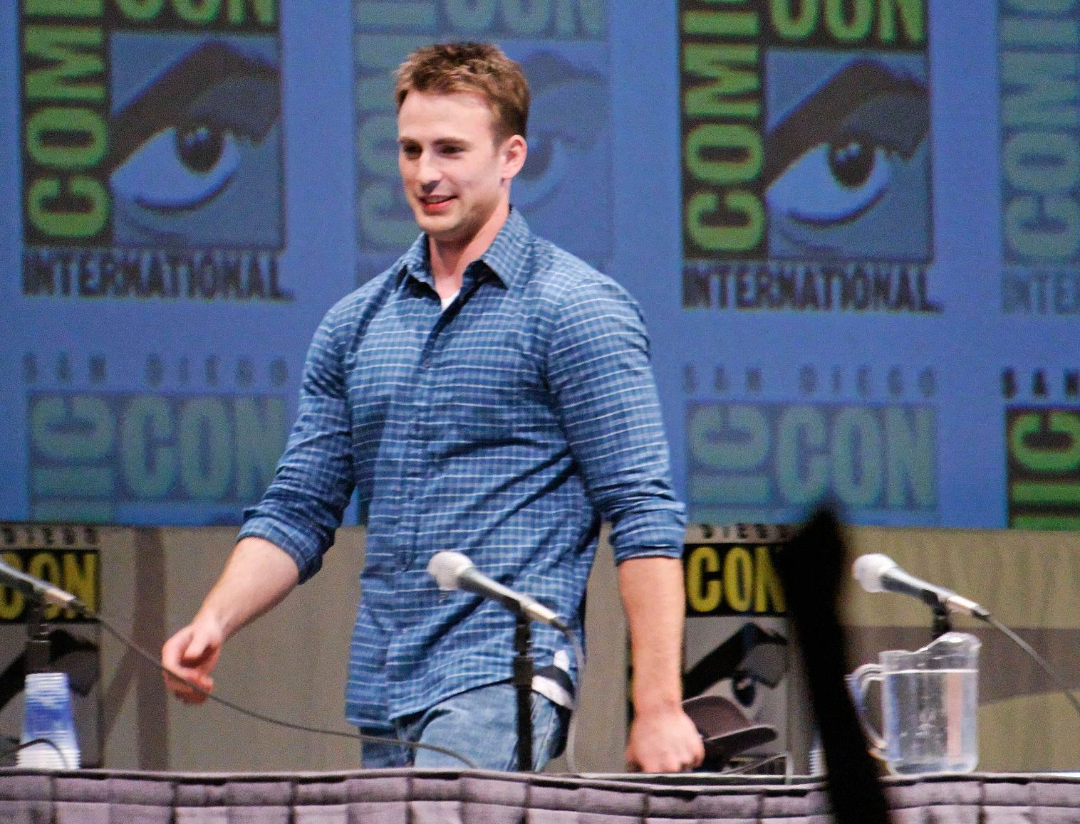 Chris Evans Comic Con 2010 e1625664421135 20 Things You Didn't Know About Chris Evans