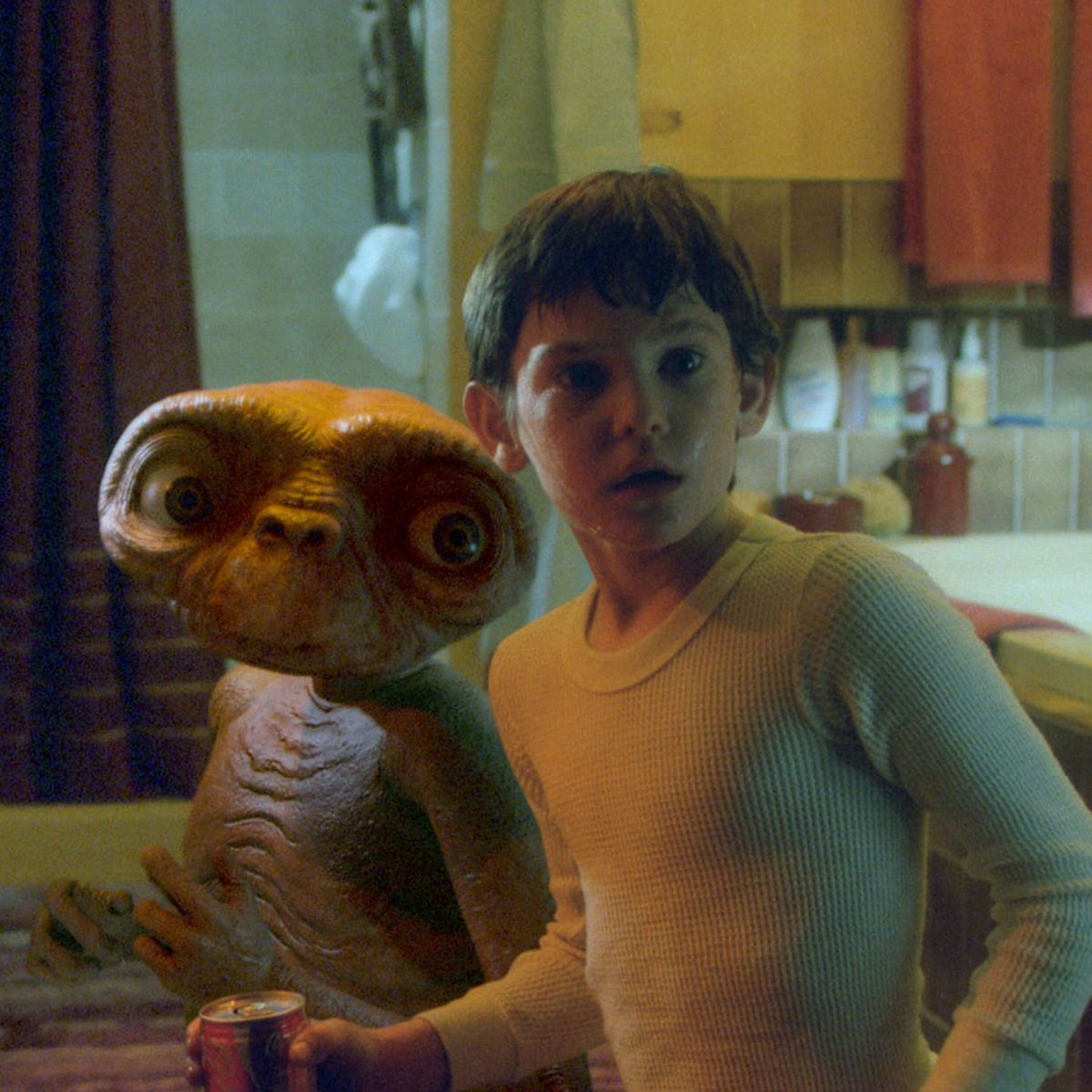 SUNDAY MIRROR ONLY Henry Thomas as a child acting in E 20 Things You Never Knew About E.T. The Extra-Terrestrial