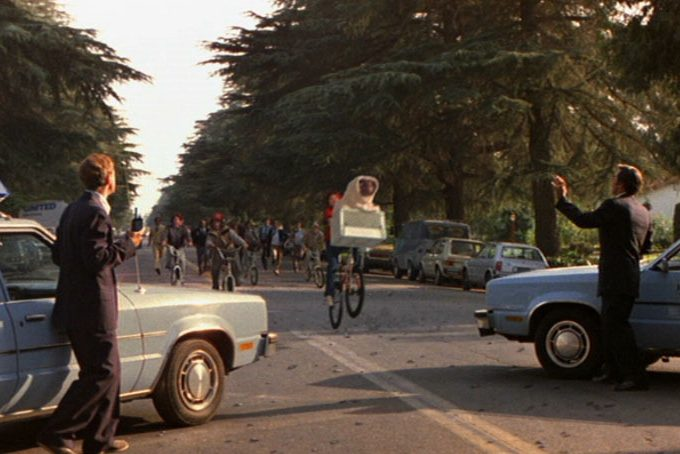 etwalkietalkies e1608645279950 20 Things You Never Knew About E.T. The Extra-Terrestrial