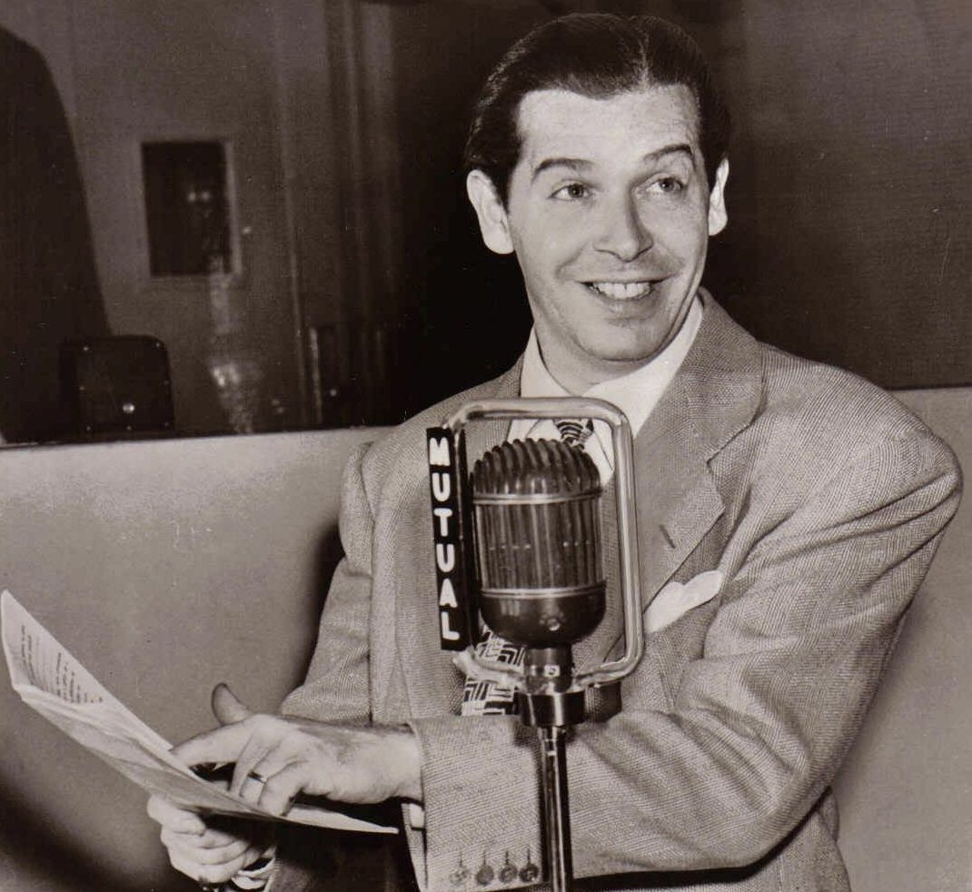 milton berle wallpaper e1602580045211 10 Things You Might Not Have Realised About Twins