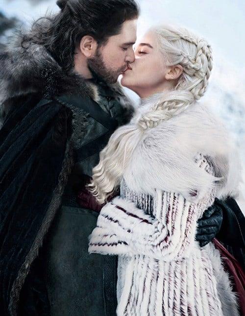 Kit Harington as Jon Snow and Emilia Clarke as Daenerys Targaryen kiss Game of Thrones