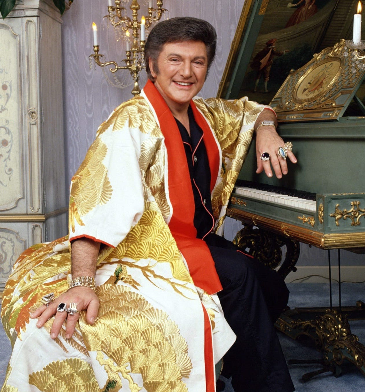1369531587000 TDS Liberace CP robe 1305252127 16 9 Unexplainable Things That Happened On Movie Sets