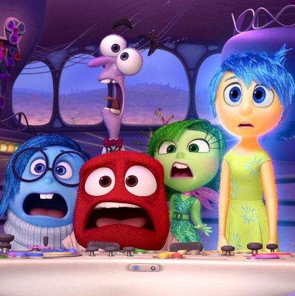 1 0w53 yPbspcLbsCRkcJtfw 29 Naughty Hidden Secrets In Disney Films