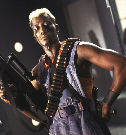 44ae8065bd306c536e28e4e89881e190 20 Things You Might Not Have Realised About Demolition Man
