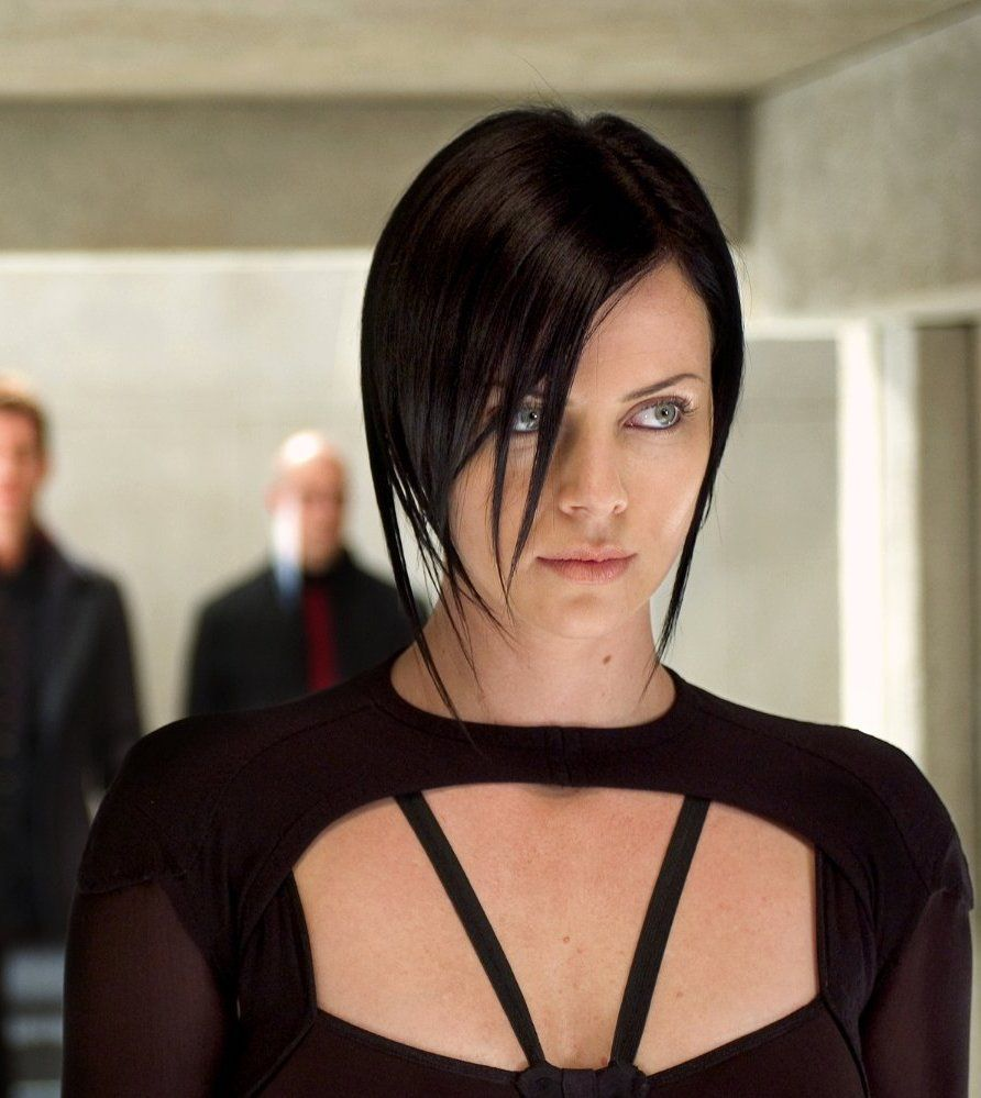 Charlize Theron in Æon Flux 2005 20 Film Scenes That Nearly Killed The Actor