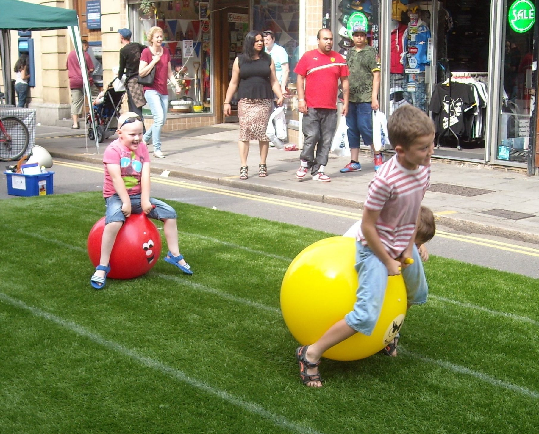 HighStreetSpaceHopperRace scaled e1627544102678 How Many Of These School Sports Day Events Did You Take Part In Growing Up?