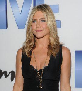 JenniferAnistonFiveNewYorkScreeningdJ5 QPS16hrl 20 Things You Never Knew About Jennifer Aniston