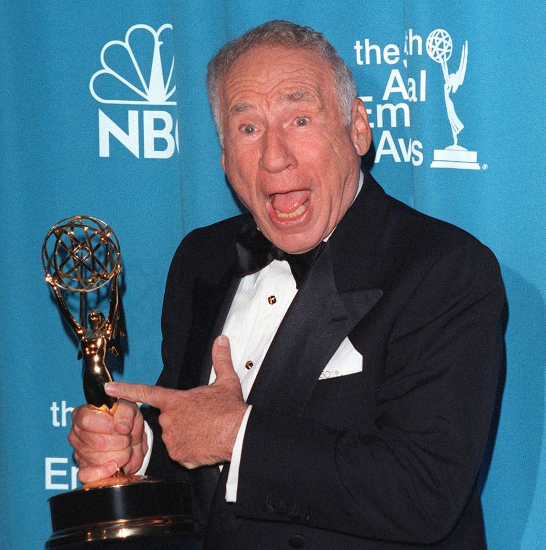 Mel Brooks guest actor comedy series Emmy 1998 e1599219413595 20 Things You Might Not Have Realised About The Naked Gun