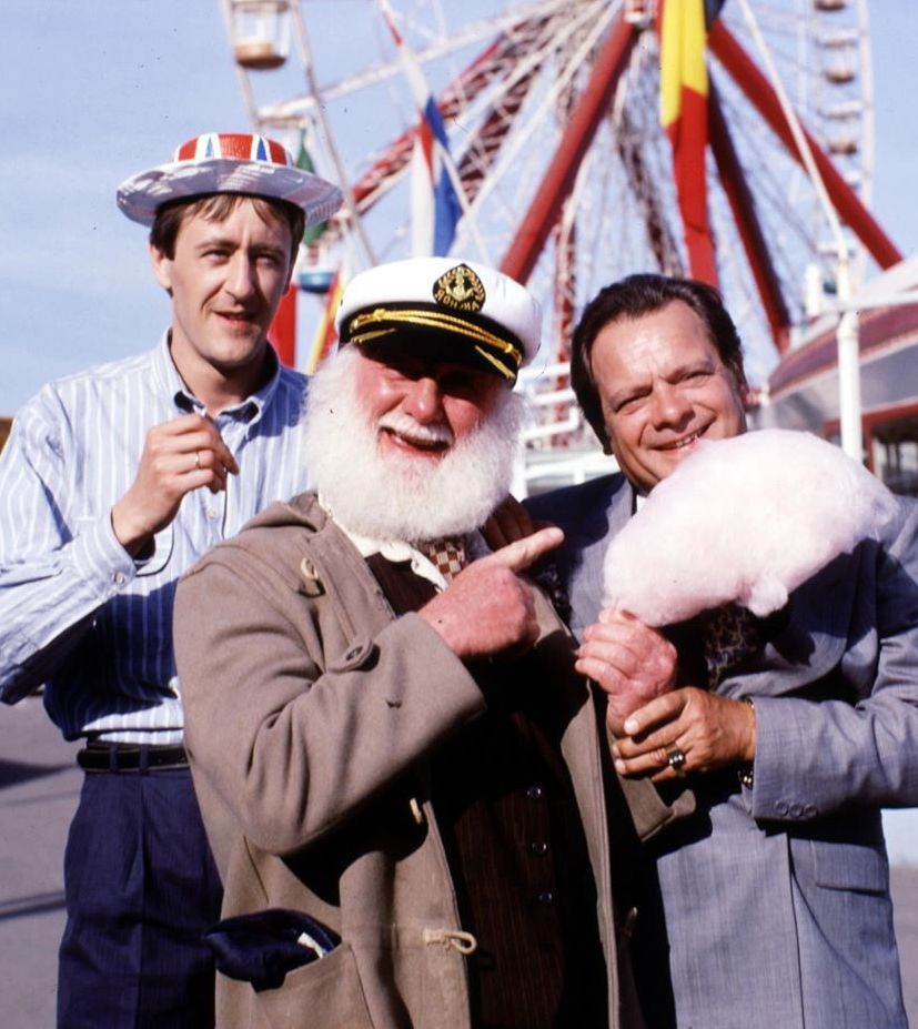 Only Fools and Horses Jolly Boys Outing Margate 2 Aldi Selling Range Of Only Fools And Horses Talking Plush Toys