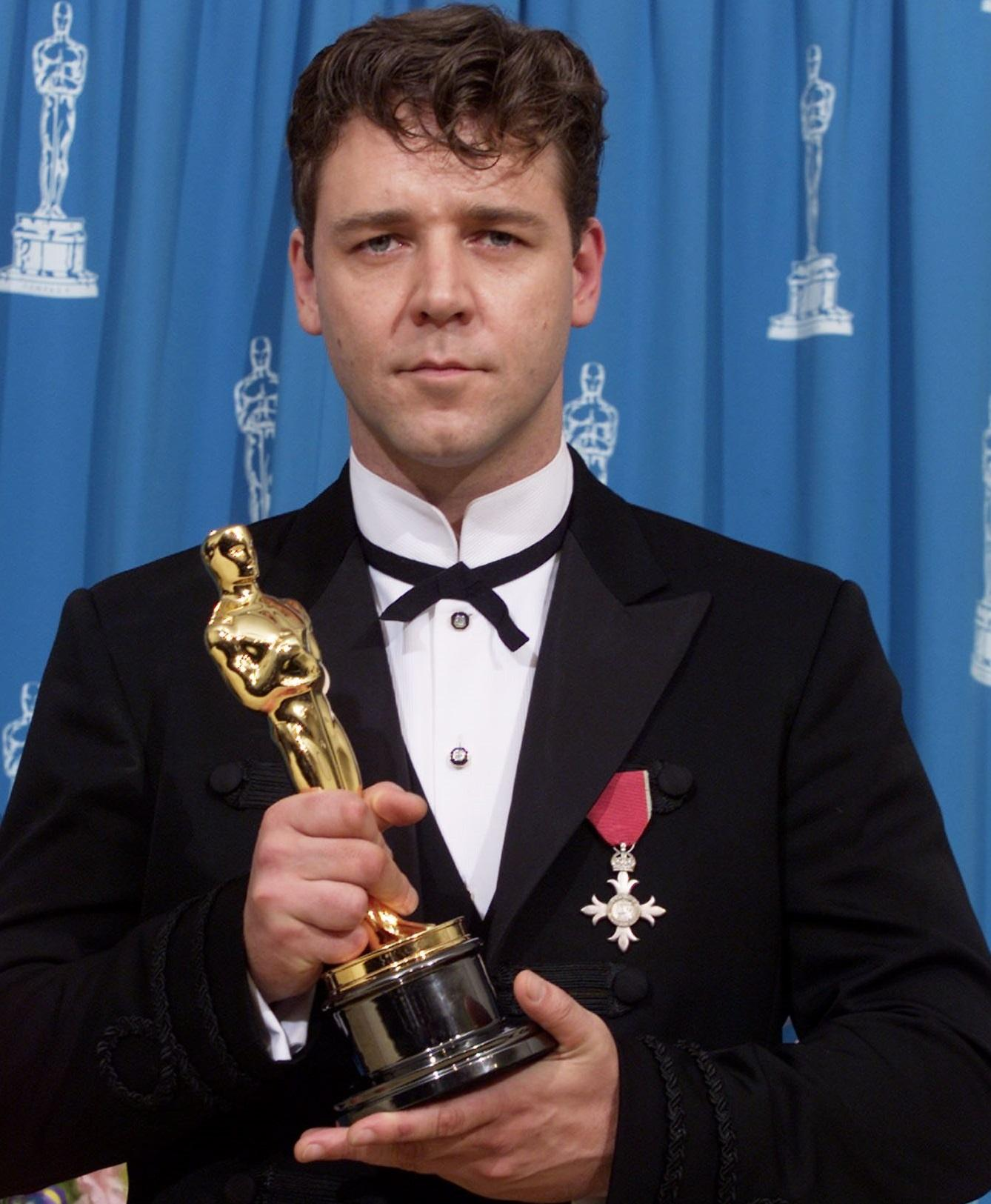 Russell Crowe Speech 10 Actors Who Seriously Injured Themselves To Win An Oscar